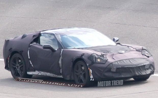 2014-Chevrolet-Corvette-C7-prototype-front-side-view-from-faraway