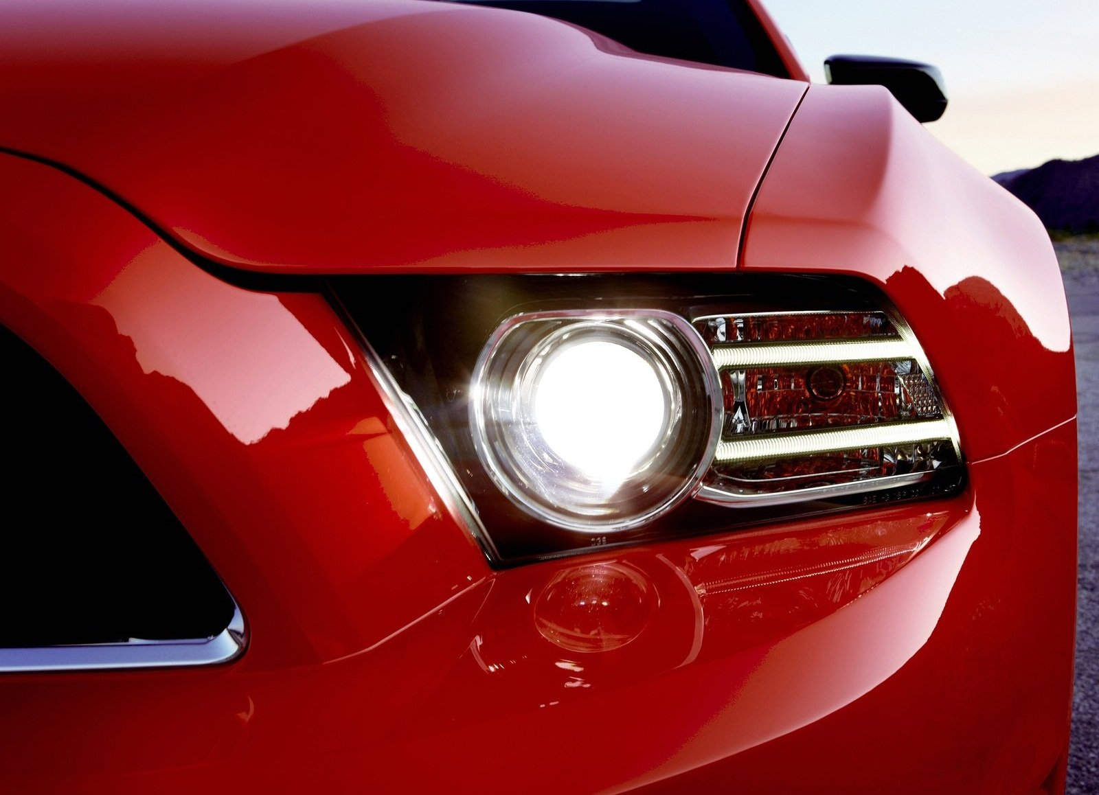 Ford-Mustang_2013_1600x1200_wallpaper_2c