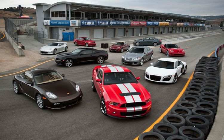 americas-best-drivers-car-scattered-group-shot