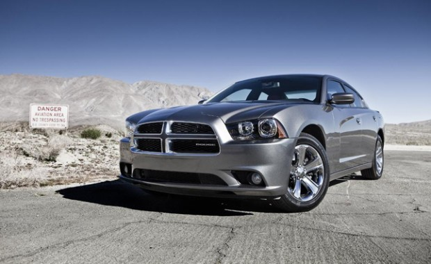 2013-Dodge-Charger-beauty_rdax_646x396