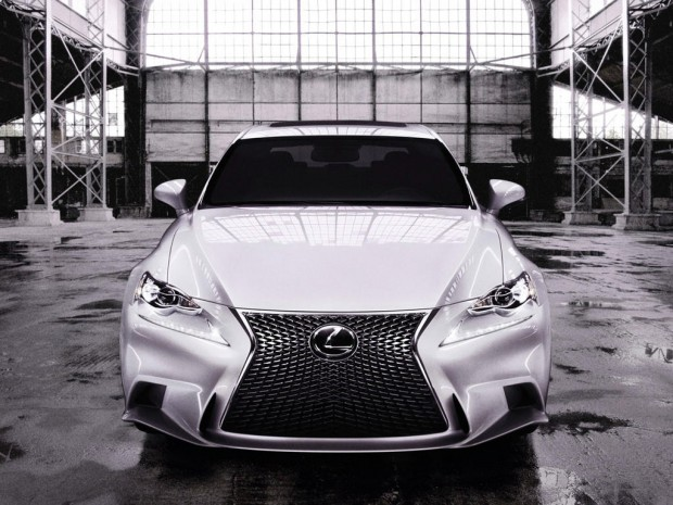 2014-Lexus-IS-350-F-SPORT-Front-001_001