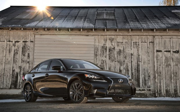 2014-Lexus-IS-350-Sport-Sport-front-three-quarters