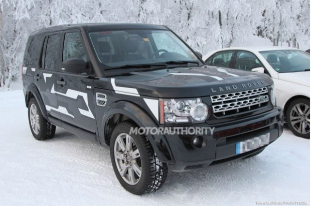 2015-land-rover-lr4-test-mule-spy-shots_100416908_m