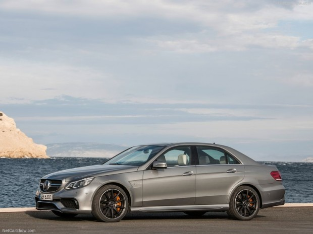 Mercedes-Benz-E63_AMG_2014_800x600_wallpaper_06