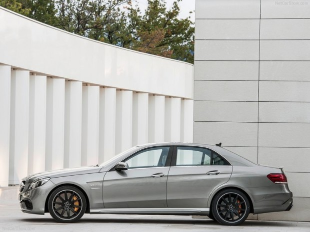 Mercedes-Benz-E63_AMG_2014_800x600_wallpaper_07