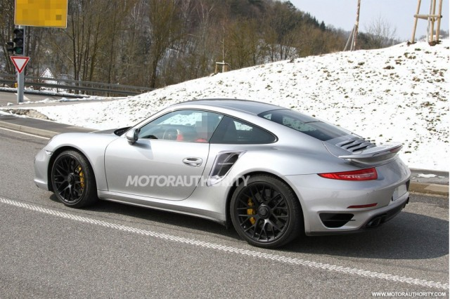 2014-porsche-911-turbo-spy-shots_100423814_l