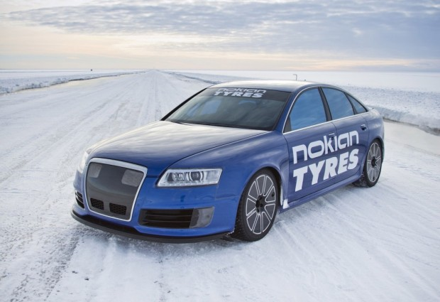 nokian-tyres-audi-rs-6-driven-to-208-6-mph-on-ice_100421792_l