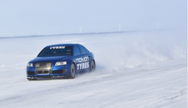 nokian-tyres-audi-rs-6-driven-to-208-6-mph-on-ice_100421793_l