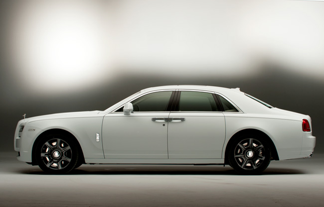Rolls-Royce-Ghost-Black-and-White-(2)