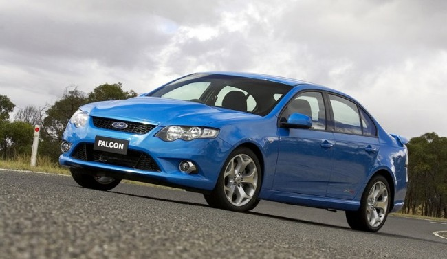 Ford-FG_Falcon_XR8_2008_800x600_wallpaper_03