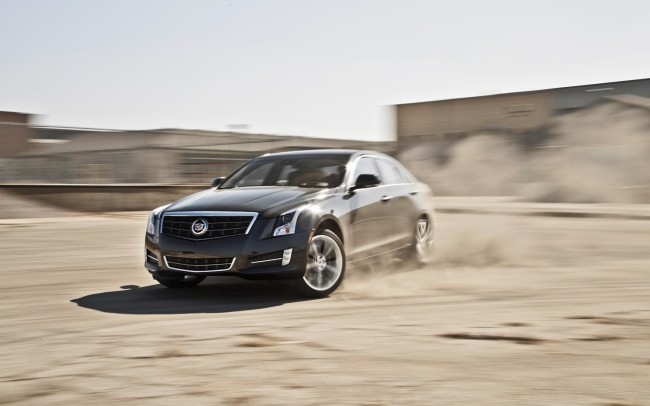 2013-Cadillac-ATS-front-three-quarter-in-motion