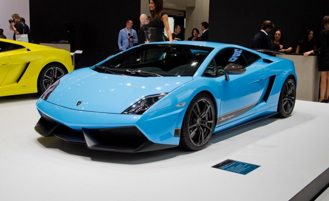2013-lamborghini-gallardo-lp-560-4-Images-Wallpapers-3