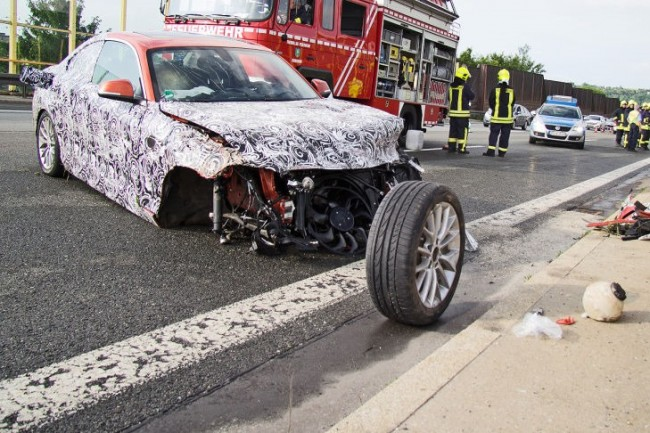 BMW-2-Series-Crash-2[3]