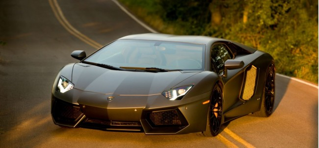 lamborghini-aventador-lp-700-4-on-the-set-of-transformers-4-movie_100430006_l