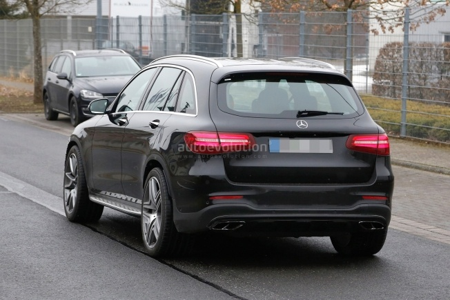 mercedes-amg-glc-63-test-prototype-seen-for-the-first-time_11