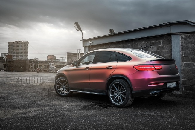 russian-mercedes-gle-coupe-combines-vossen-wheels-with-flip-wrap_1