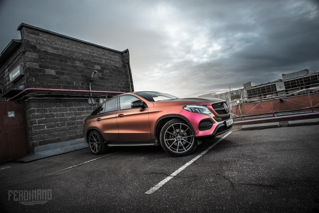 russian-mercedes-gle-coupe-combines-vossen-wheels-with-flip-wrap_2