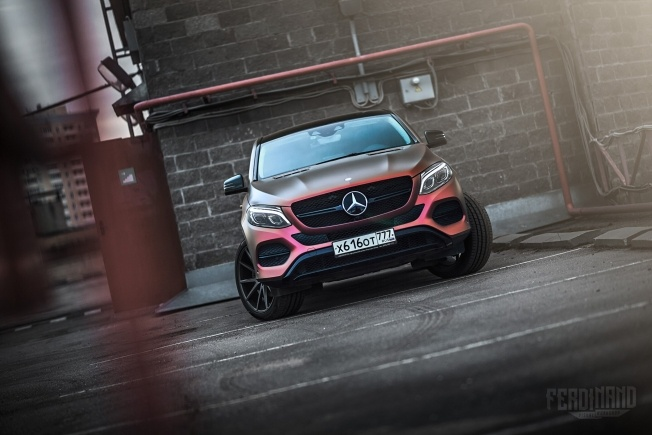 russian-mercedes-gle-coupe-combines-vossen-wheels-with-flip-wrap_3