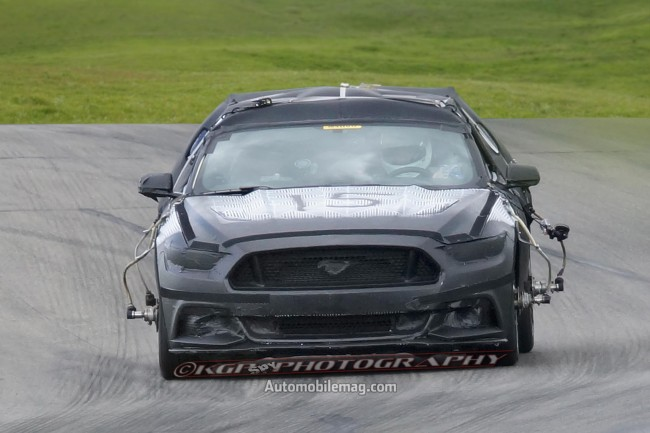 2015-Ford-Mustang-undisguised-prototype-front-view-6