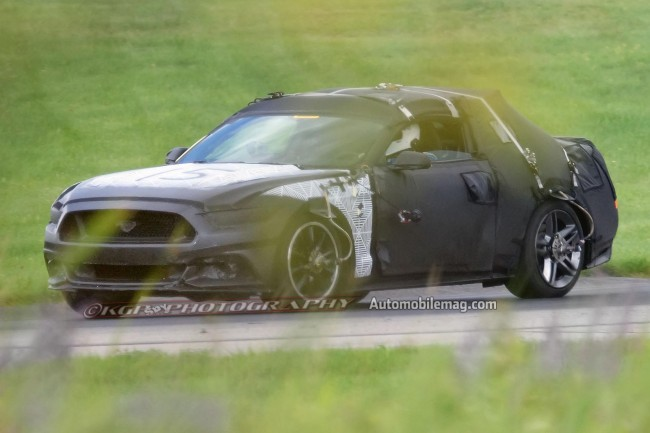 2015-Ford-Mustang-undisguised-prototype-side-view