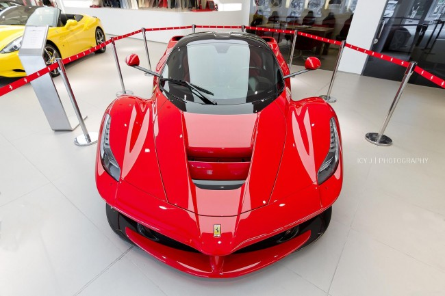 LaFerrari-Hong-Kong-Dealership-2