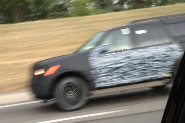2015-Ford-Expedition-spied-profile