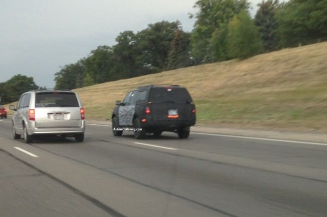2015-Ford-Expedition-spied-rear-three-quarter-32