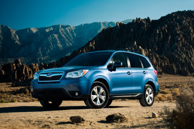 2014-Subaru-Forester-front-three-quarter-02