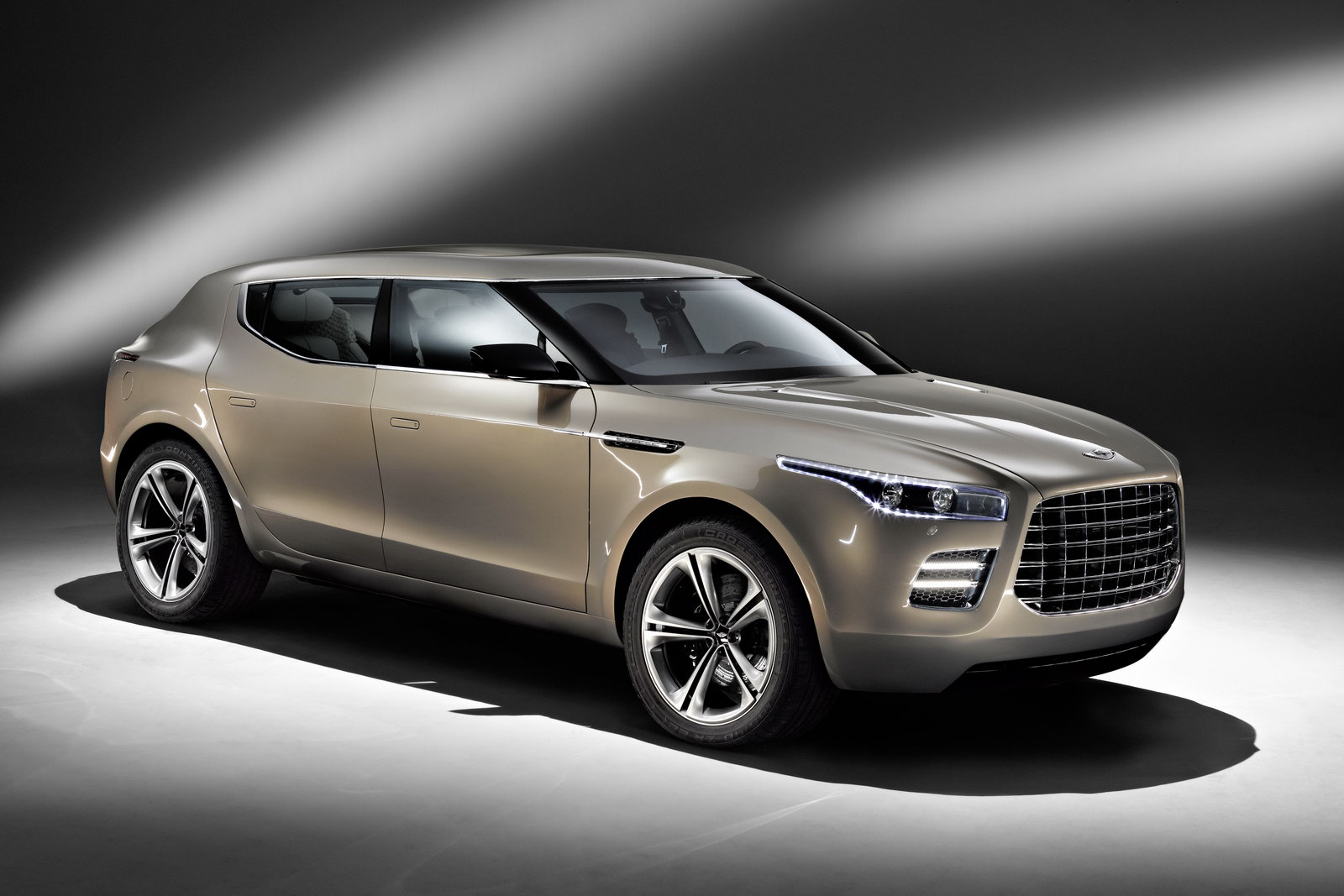 aston-martin-lagonda-crossover-concept-new-official-photos_12