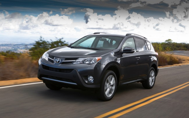2013-Toyota-RAV4-front-three-quarters-in-motion