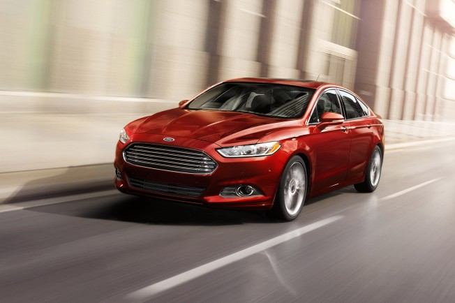 2014-ford-fusion-three-quarters-2