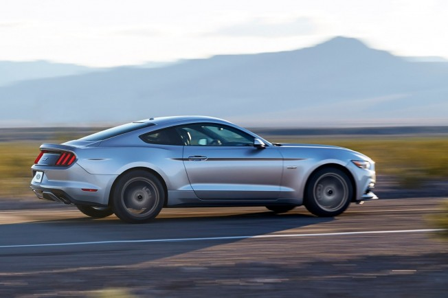 2015-Ford-Mustang-Live-6[2]