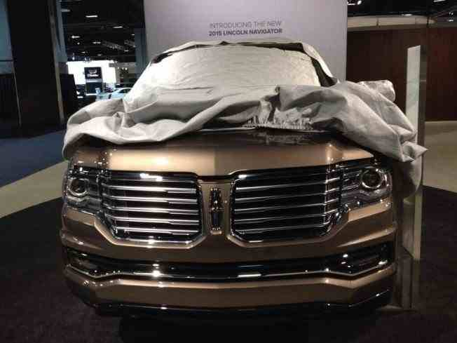 2015-lincoln-navigator-front-end-posted-by-twitter-user-cliffordatiyeh_100453968_l