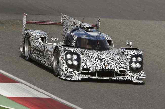 The_new_Porsche_919_hybrid_LMP1_race_car_contesting_the_2014_WEC