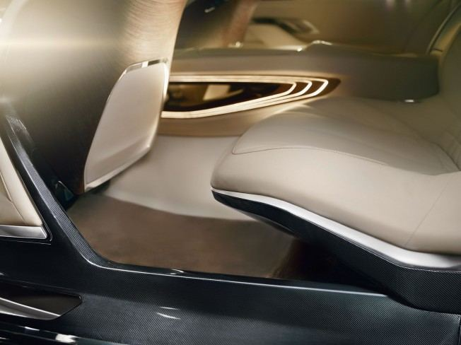 BMW-Vision-Future-Luxury-Concept-Interior-11
