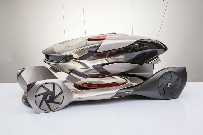 BMW-iQ-Concept-by-Chris-Lee-Scale-Model-02