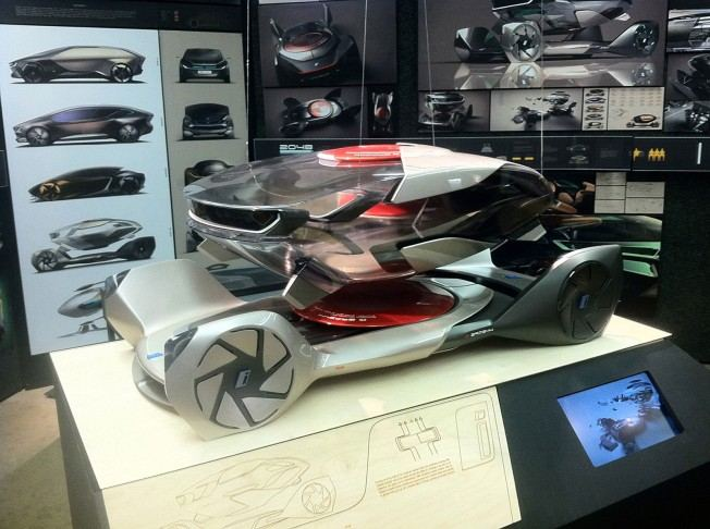 BMW-iQ-Concept-by-Chris-Lee-Scale-Model-05