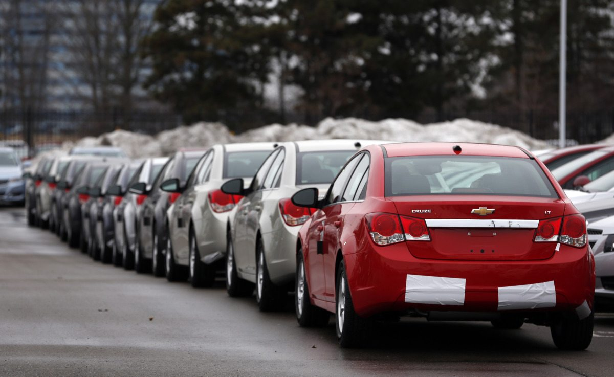 GM Says Dealers Told to Stop Selling Some Chevrolet Cruzes