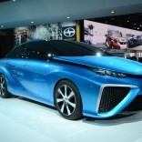 Toyota-FCV-Concept-front-three-quarters-view-at-NAIAS-2014