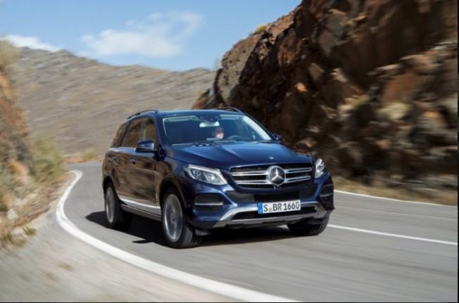 2016-Mercedes-GLE-Facelift-1