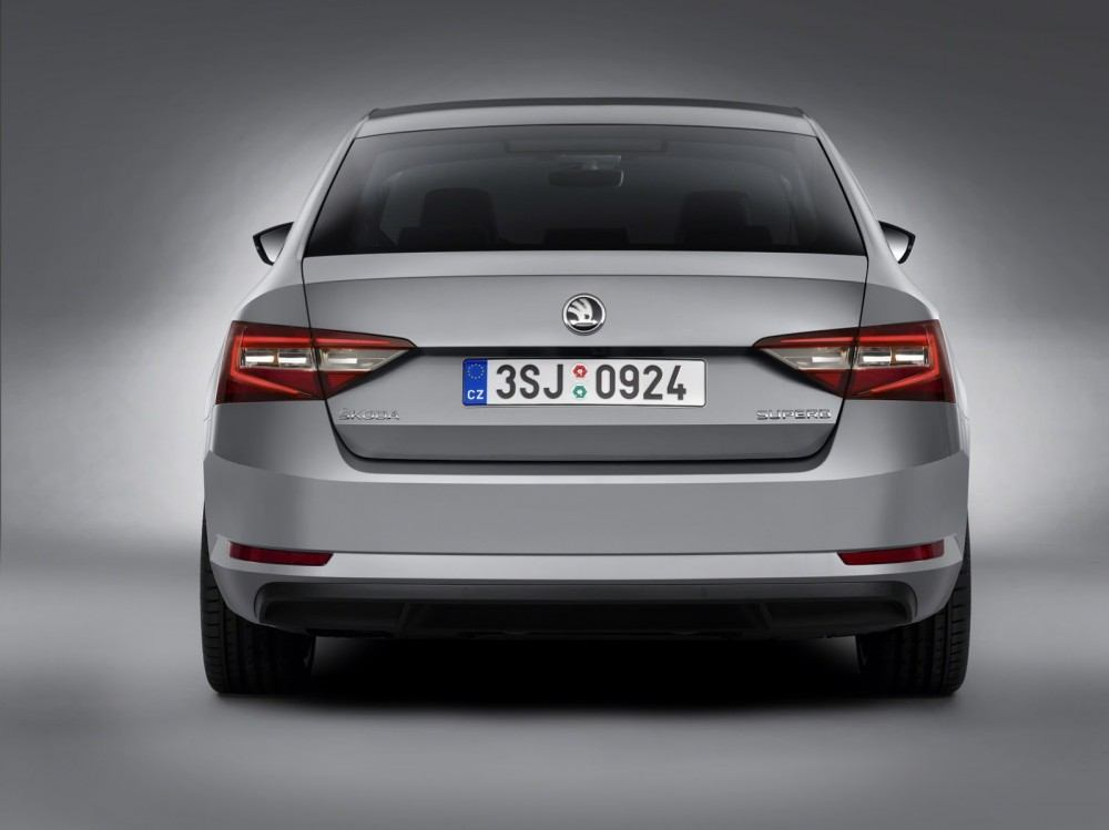 New-Skoda-Superb8