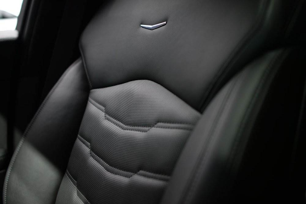 m_Cadillac-CT6-leather