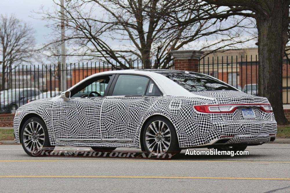 lincoln-continental-spyshot-rear-three-quarters-4