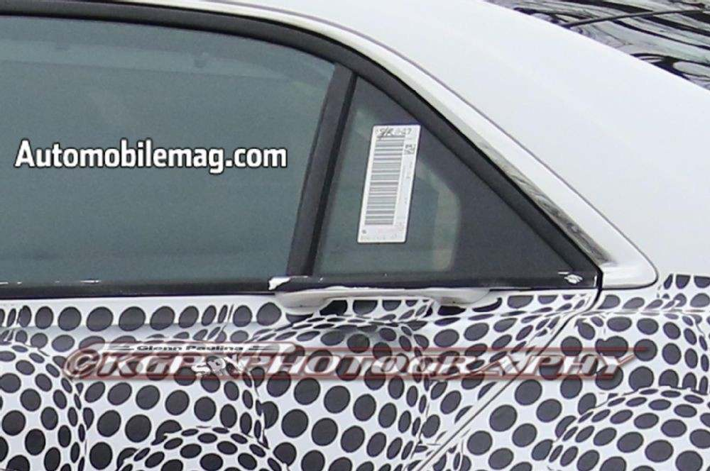lincoln-continental-spyshot-rear-window