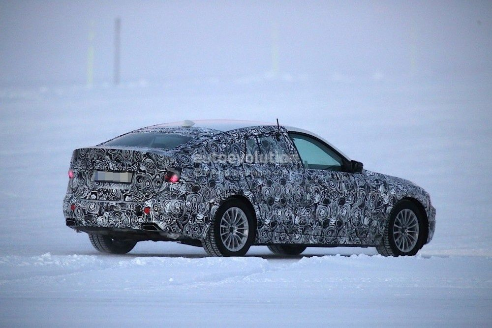 2017-bmw-5-series-gt-spied-testing-alongside-bmw-g30-5-series_15-1000x667