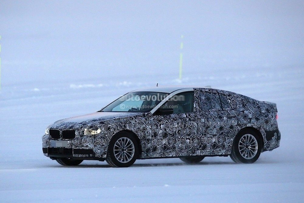 2017-bmw-5-series-gt-spied-testing-alongside-bmw-g30-5-series_5-1000x667