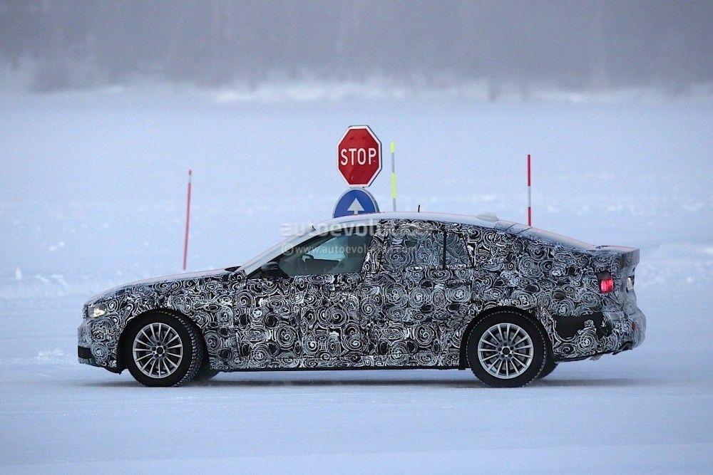 2017-bmw-5-series-gt-spied-testing-alongside-bmw-g30-5-series_6-1000x667