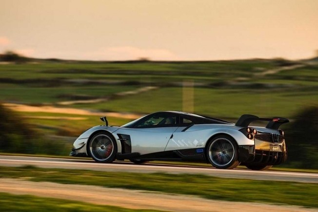 pagani-huayra-bc-means-business_44