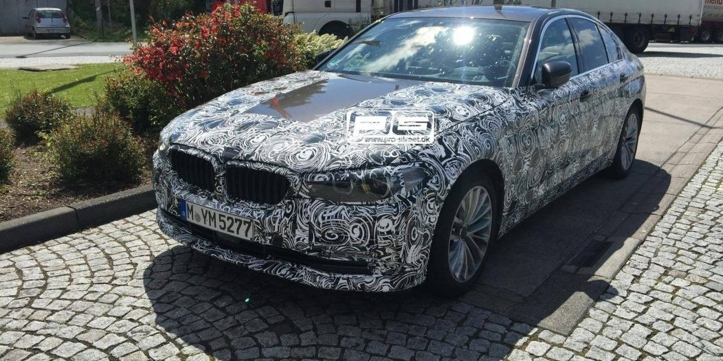 2017-bmw-5-series-spied-at-gas-station-in-germany