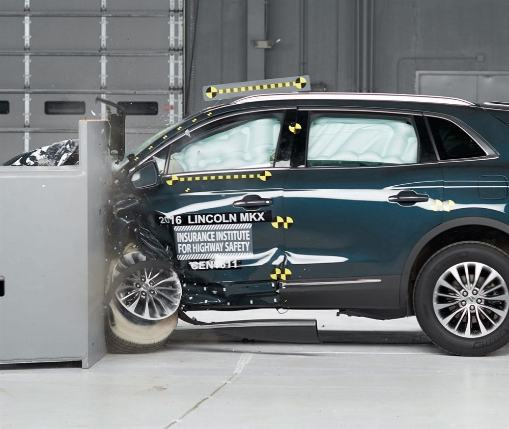 Lincoln-MKX-IIHS-safety-rating 1